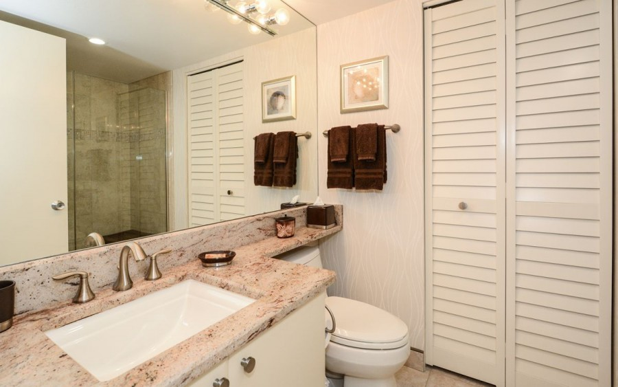 master bath with washer/ dryer