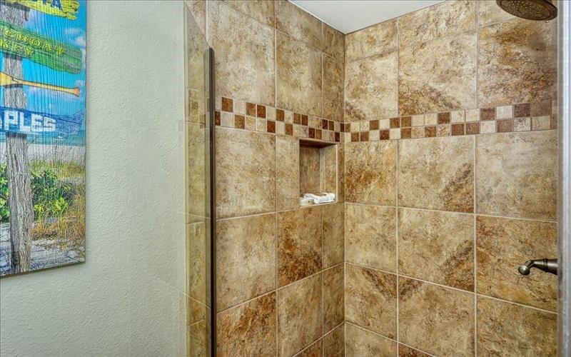 gues tbath shower
