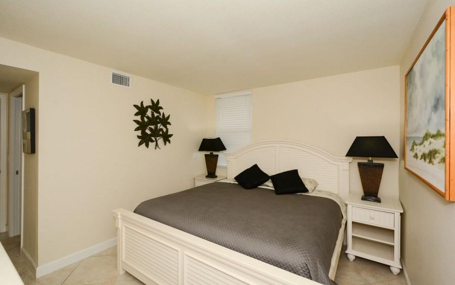 205 guest bedroom