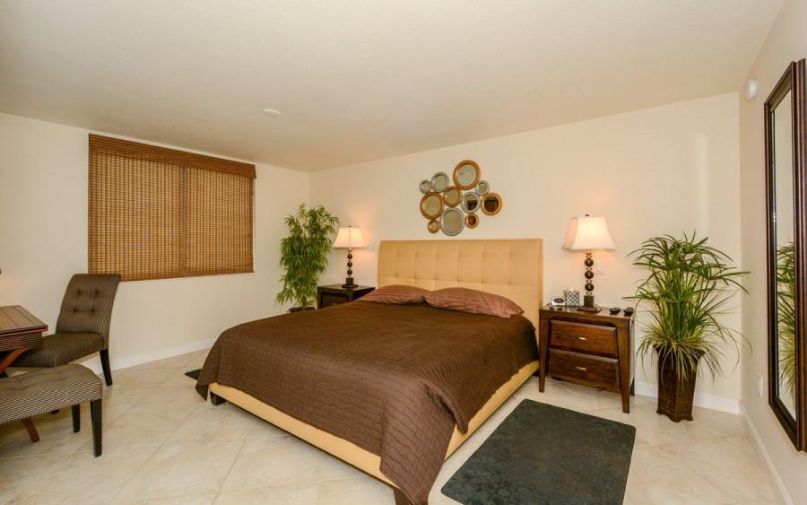 205master bedroomn