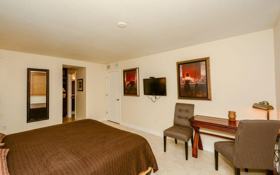 205master bedroom